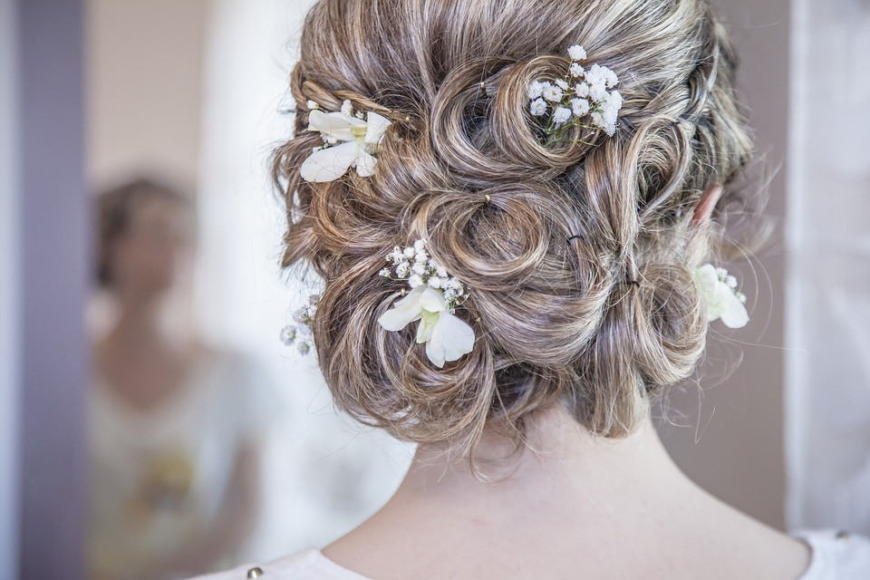 Accessories for the bride's hair
